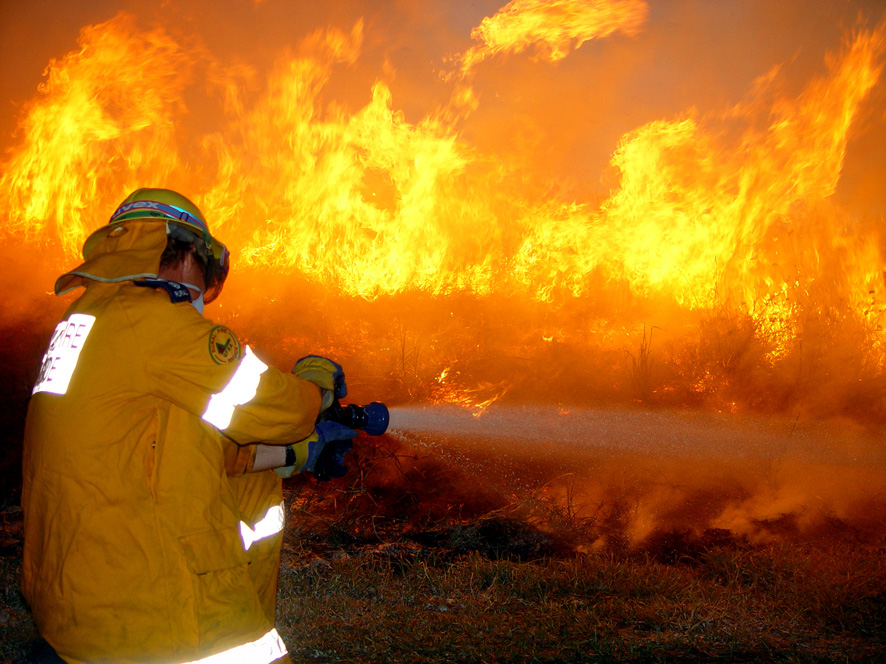 Queenslanders on high alert with dangerous fire conditions expected